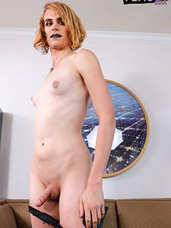 Livy Aubergine
